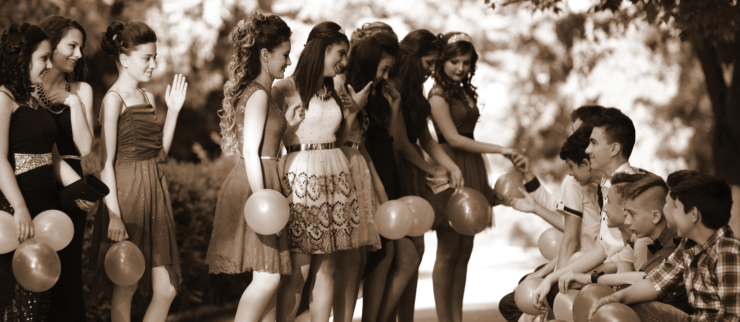 quince-group-photo-slide